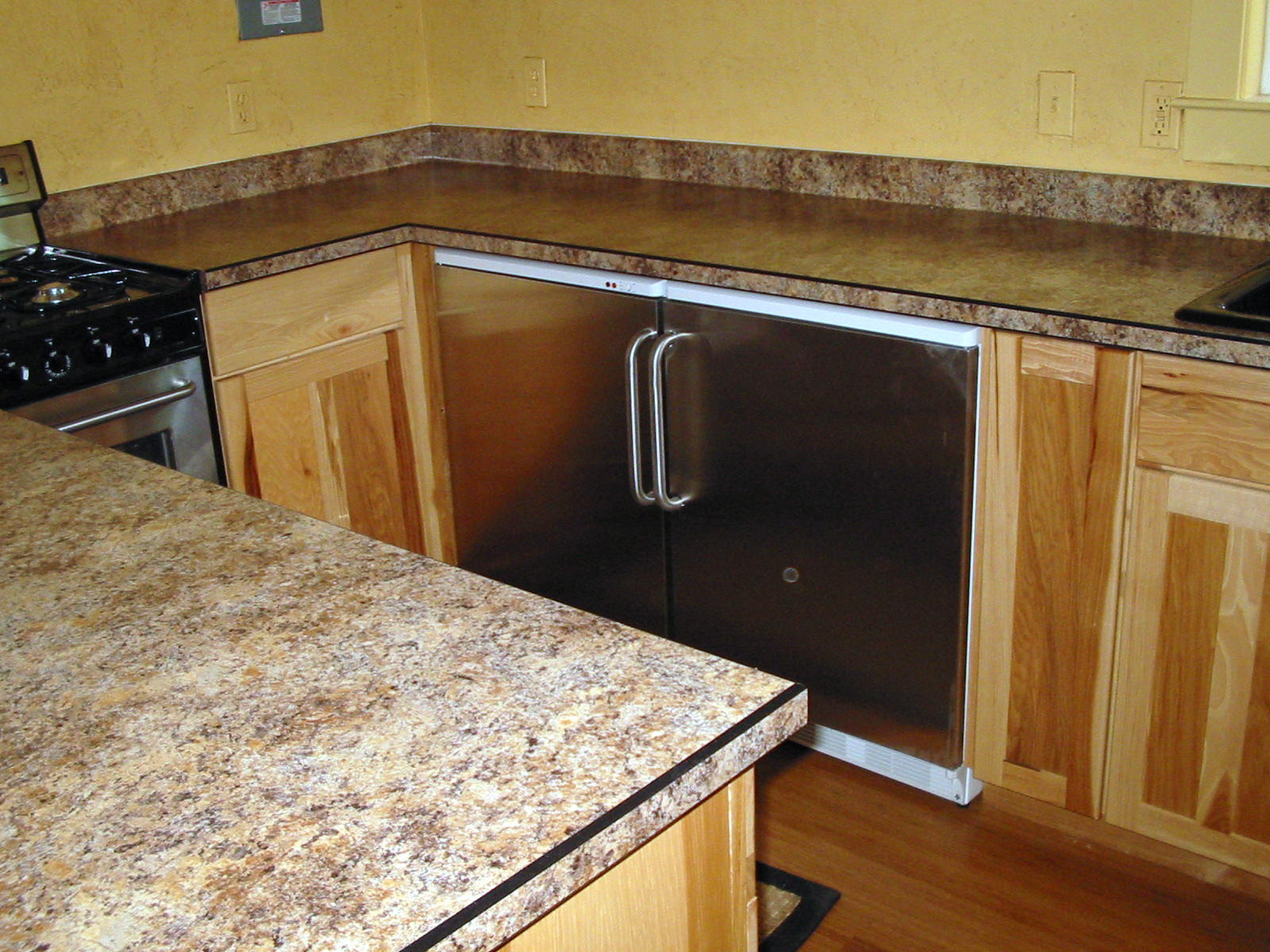 Custom Countertops - Photo Gallery/Laminate